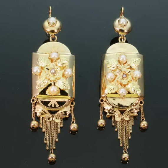 Victorian Gold Pearls Dangle Earrings