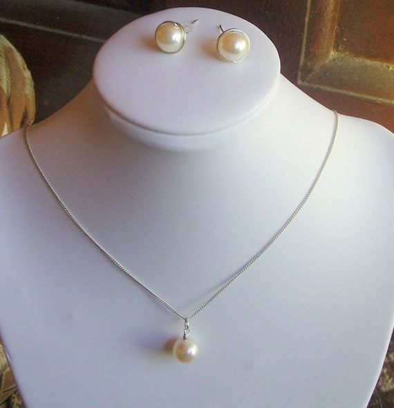 10mm Swarovski Pearl Bridal Necklace and Stud Earring Set