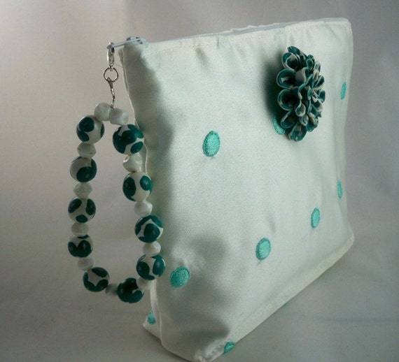 Wristlet white and aqua handmade flower brooch and beaded handle