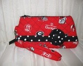 Georgia Bulldogs Quilted, Zippered Wristlet w/ detachable key fob strap