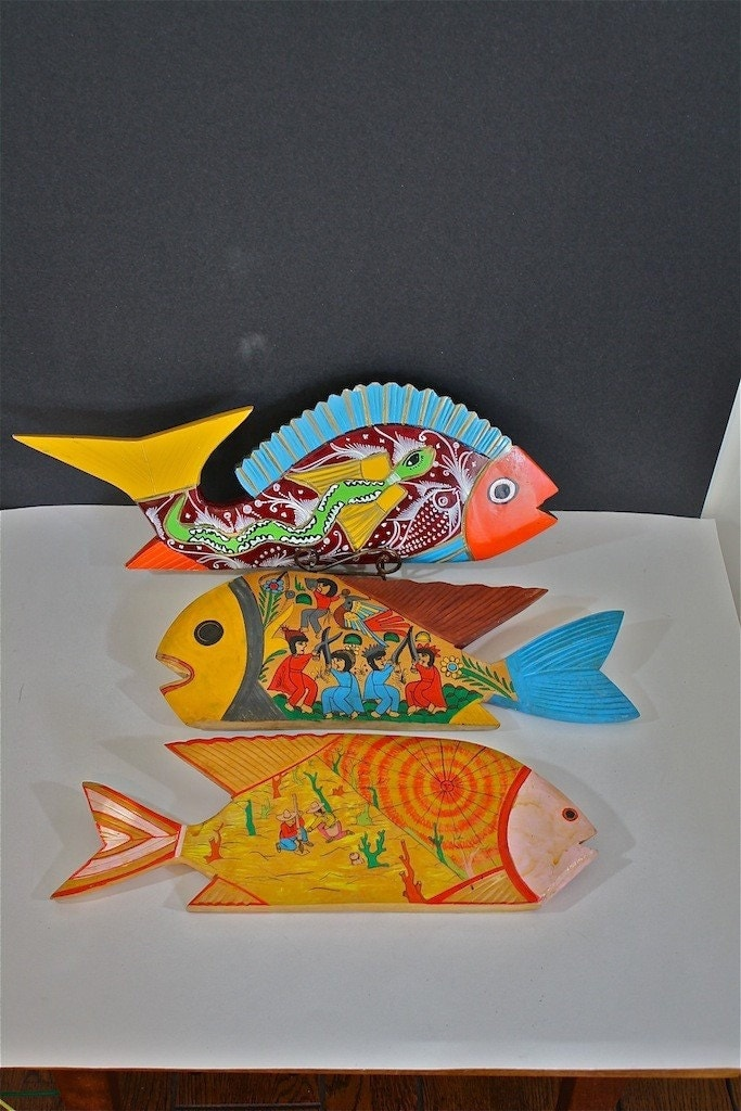 Wood fish vintage set of folk art hand carved and painted