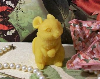 2 Beeswax Mouse With Acorn Candles
