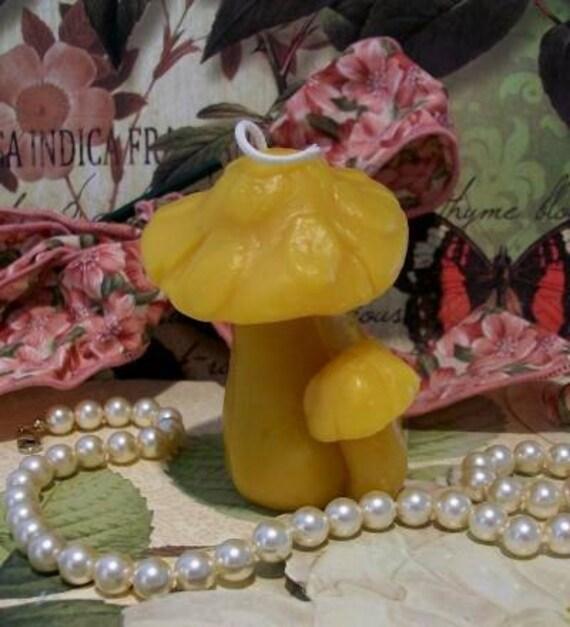 Beeswax Double Mushroom Candle
