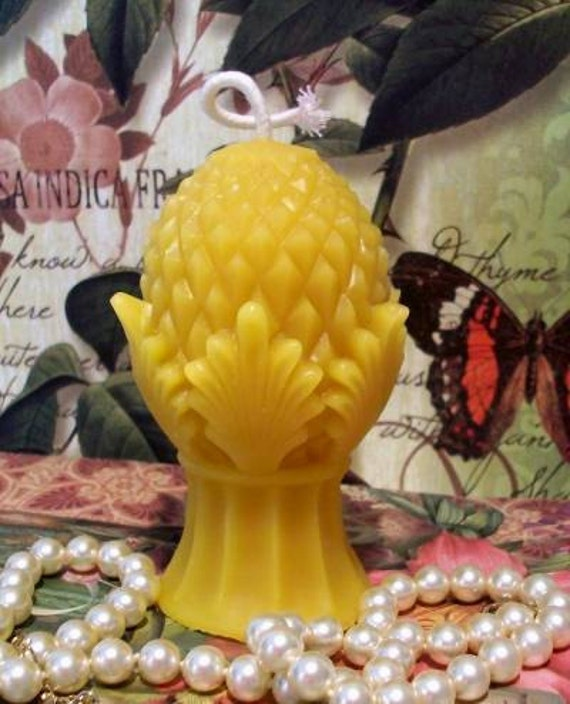 Beeswax Pineapple Pinecone Candle