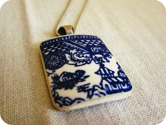 DELFT ceramic pendant necklace