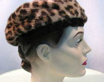 Vintage Womens 1950s Leopard Hat with Velvet Trim Size Small