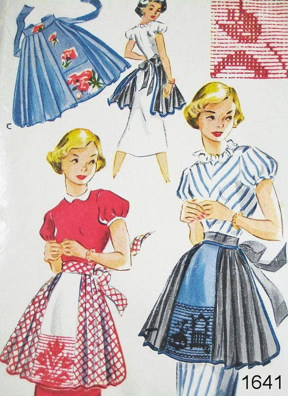 Vintage Apron Pattern - McCall's 1641 - Vtg 1951 - Short Aprons for Mother and Daughter - One Size