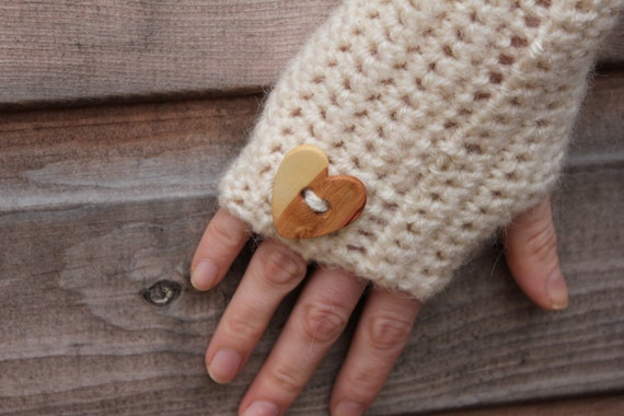 Comfy mittens with wooden love heart button in cream