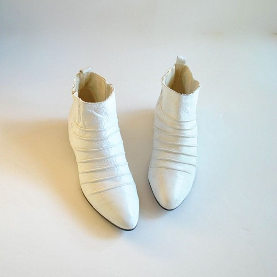 White Boots Size 8.5  //  Winklepickers Sz 8 1/2  //   PUNKED