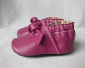 Baby Shoes Classic Soft Sole With Knot in Magenta Leather