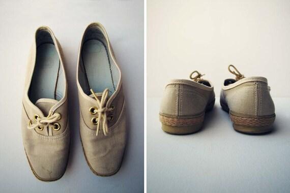 Vintage Cream Boat Shoes