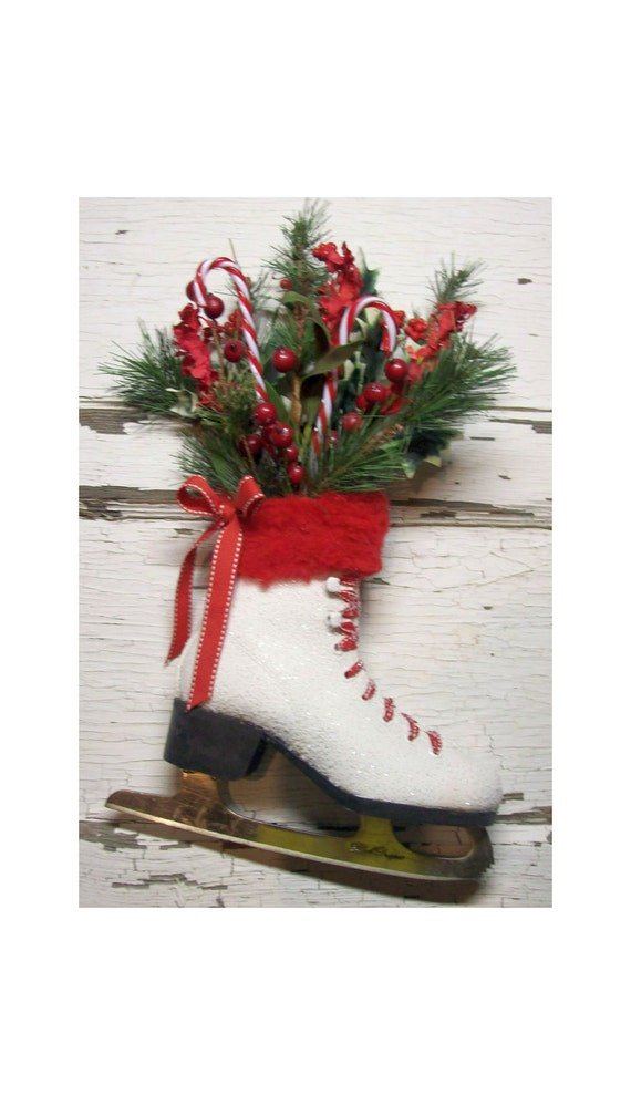 Christmas Ice Skate - Christmas wreath -Door decor -  vintage - Cottage - French Market - Winter skate - Country