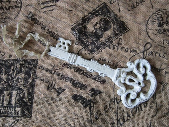 Key - Skeleton key - Cast Iron key - French country - Paris chic - vintage home  decor
