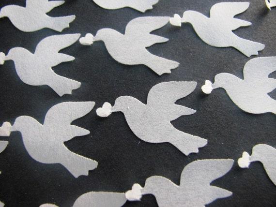 1,000 Dissolving/Biodegradable Dove holding heart confetti