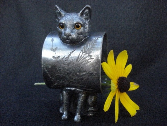 Victorian Figural Cat Napkin Ring With Yellow Glass Eyes Silver Plated