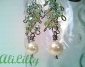 Tea Green and Pearls Earrings