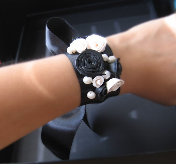 Black and White Rose Pearl Ribbon Wrist Band