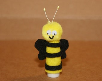 Popular items for puppet on etsy for Bee finger puppet template