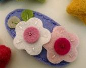 NO SLIP Wool felt hair clip -Double flower (pale pink & ecru) -lavender