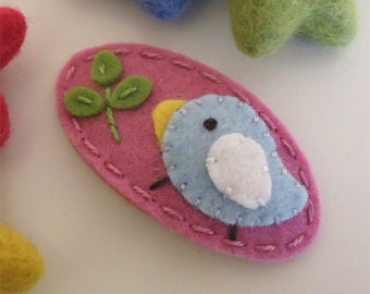 Felt hair clip -No slip -Wool felt -Pale blue bird and a sprout -old pink