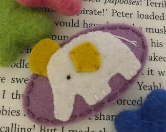 Felt hair clip -No slip -Wool felt -Ecru elephant -lilac