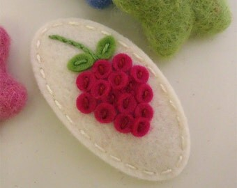 Felt hair clip -No slip -Wool felt -Raspberry -ecru
