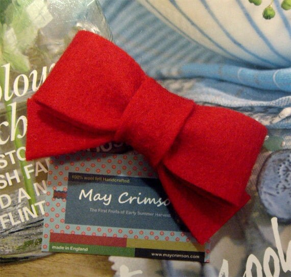NO SLIP Wool felt hair clip -Red bow -mini