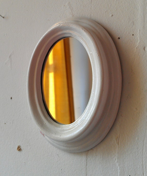 Tiny Wall Mirror in Glossy White