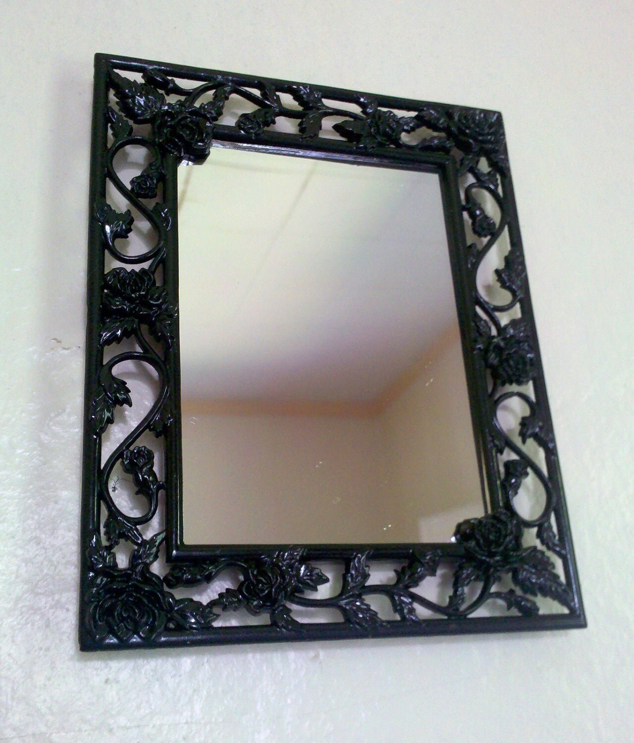 Black roses mirror metal frame in glossy black for Metal frame mirror