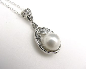 wedding necklace bridal necklace bridal jewelry High quality shell pearl teardrop cubic zirconia necklace with silver sterling chain
