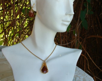 VIntage Amber Color Stone and Gold Plate Necklace Set