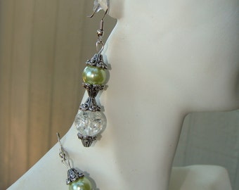 Cracked Glass Green Pearl and Vintage look silver design Hook Earring Set