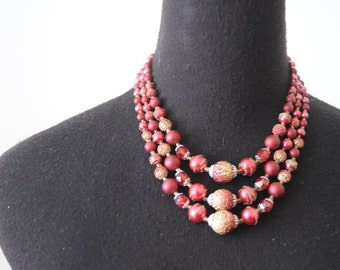 SALE 50's NECKLACE Pearl Necklace Three Strand Beaded Pink with Gold