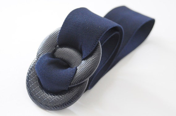 1980's CINCH THIS Navy Blue Waist Cinching Adjustable Elastic Belt with Faux Snakeskin Buckle