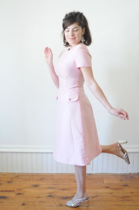 1960's TOWN & COUNTRY Soft Pink Shift A Line Dress with Matching Coat / Jacket / Over Coat for Spring Size Medium