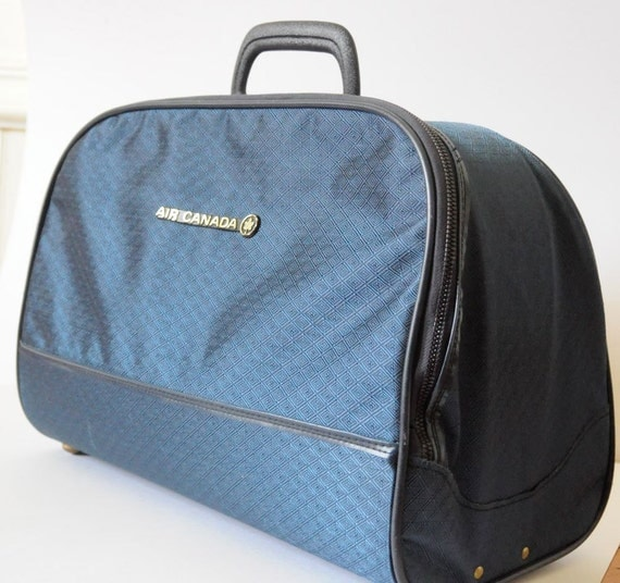 VINTAGE LUGGAGE Air Canada Bag in Navy Blue Luggage Bag / Carry On / Tote / Suitcase