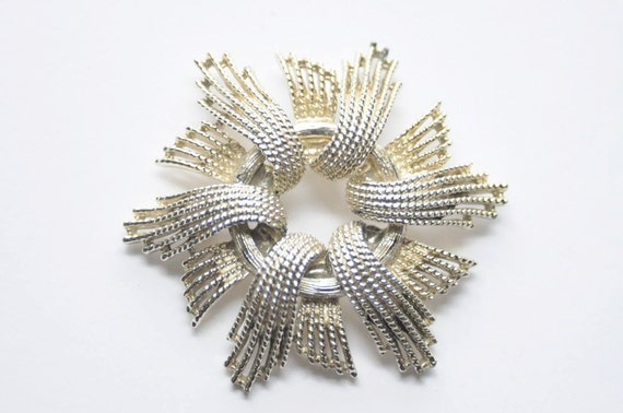60's Silver Starburst Pin / Brooch