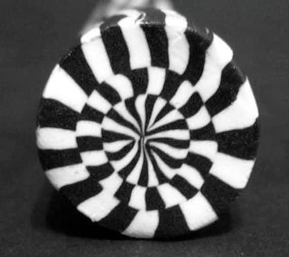 Op art target polymer clay cane