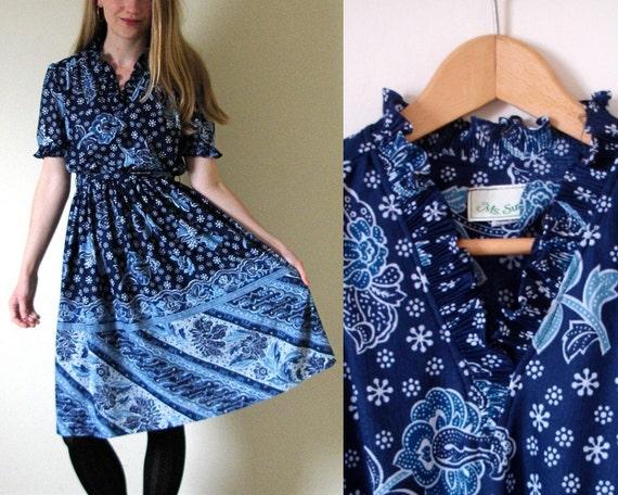 SALE -- vintage 1970s Bandana Print Blue Accordion Pleat Collar Dress -- S