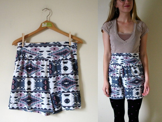 vintage 1980s Southwestern Print Black, White and Pink High Waisted Shorts -- L