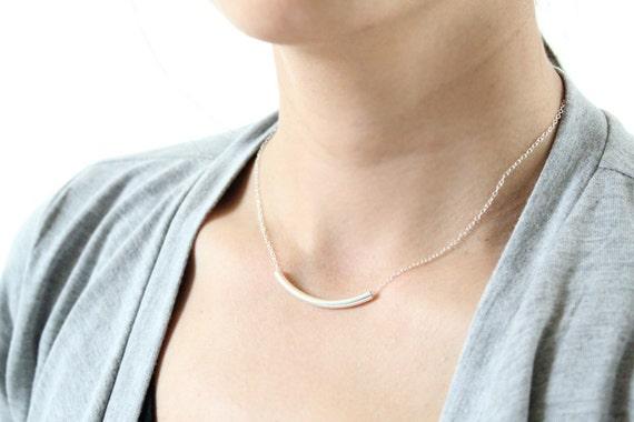 Curvaceous Necklace