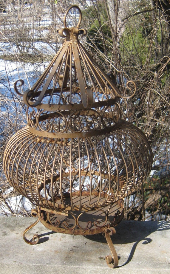 Vinatge Old Rusty Shabby Chic Garden Salvaged Heavy Metal Bird Cage Tweet Tweet