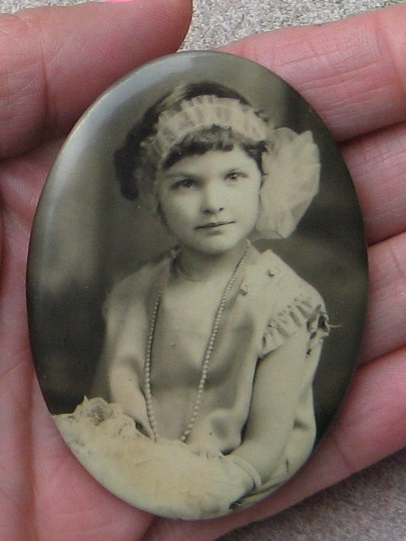 A Picture is worth A 1000 Words Sweet 1920s Balck N White Real Photo Oval Mirror Little Girl