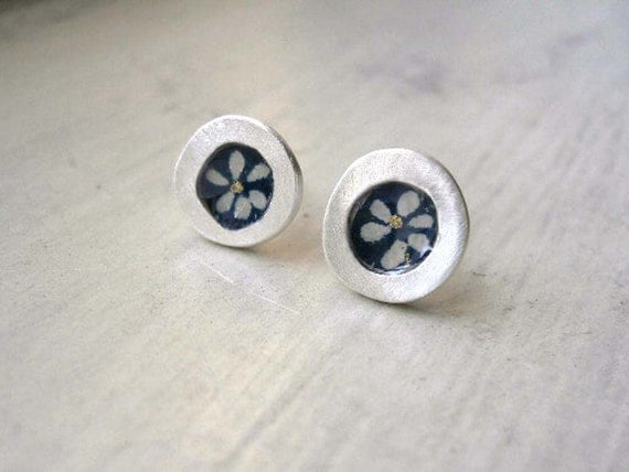 Flower stud earrings - Japanese chiyogami paper - little silver accessory