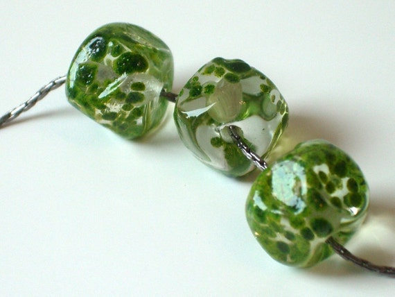 SALE Lampwork Necklace . Artisan Jewelry . Minimalist . Green . OOAK Gunmetal Chain -- MOJITO