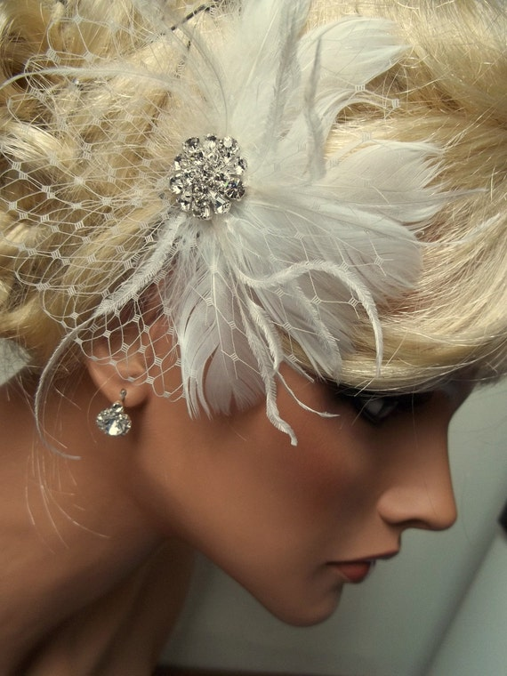 Bridal Hair Fascinator, Wedding Hair Clip, Ivory Bridal Fascinator, White Feather Hair Clip, Bridal Headpiece, Wedding Feather Fascinator