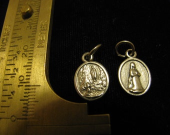 Silver Medal Our Lady of Lourdes and St Bernadette Religious Catholic pendant, charm for jewelry, rosary charm bracelet