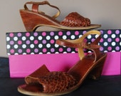 Vintage Kinneys 1970's Brown Leather Boho Sandals With Woven Uppers