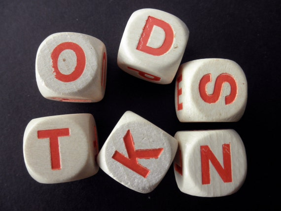 dice - 6 pieces - game- wood-letters-alphabet-words-assemblage-anagram
