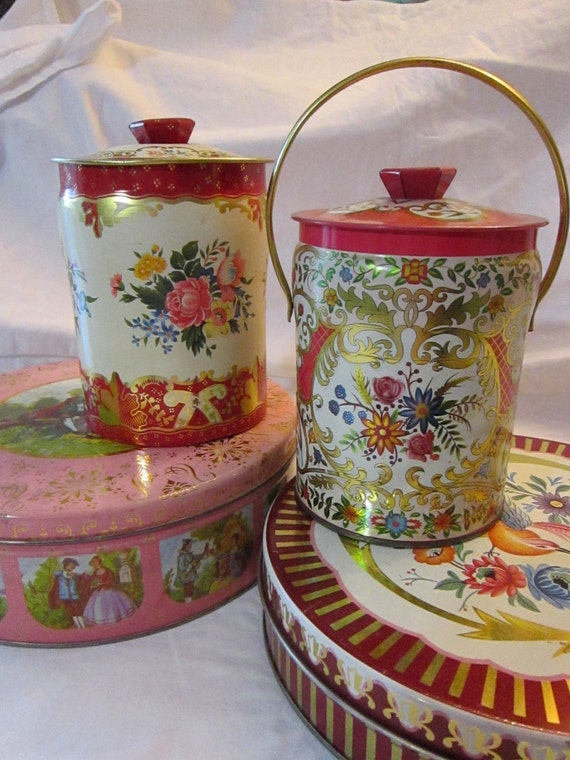 SALE - 4 vintage TINS - red and pink assortment, instant collection